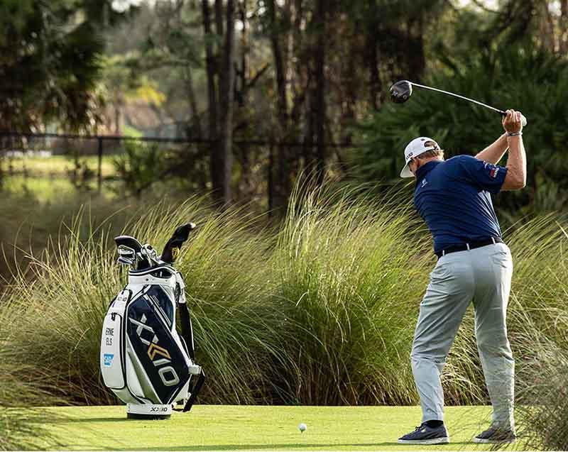 Túi đựng gậy golf XXIO được nhiều người tin dùng
