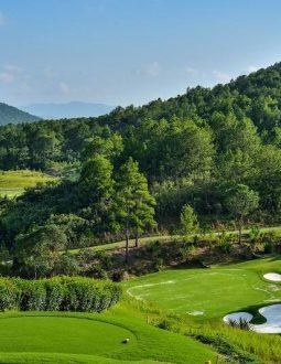 Cập nhật chi tiết về bảng giá sân golf Đà Lạt 1200 năm 2021