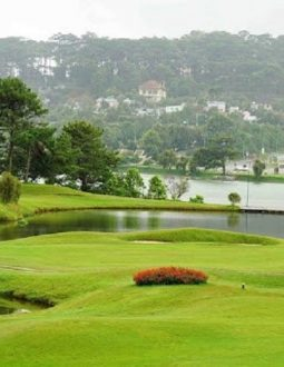 Bảng giá mới nhất tại sân golf Đà Lạt Palace năm 2021