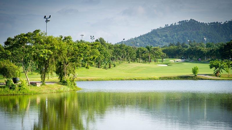 Cảnh quan tuyệt mỹ tại sân golf Sóc Sơn
