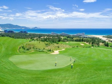 Bảng giá dịch vụ của sân golf Quy Nhơn năm 2021 có gì mới?