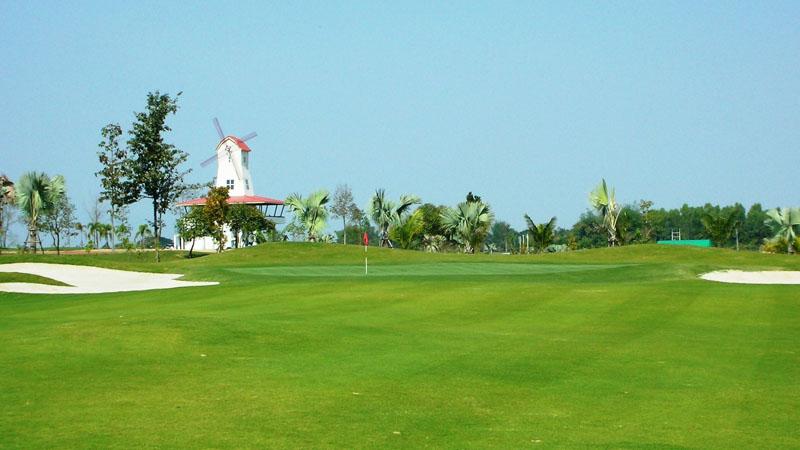 Sân golf có vị trí dễ dàng di chuyển