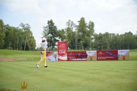 sân tập golf khách sạn Thắng Lợi