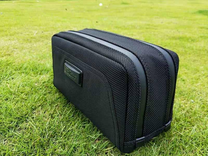 Túi cầm tay Titleisit được các golf thủ đánh giá rất cao
