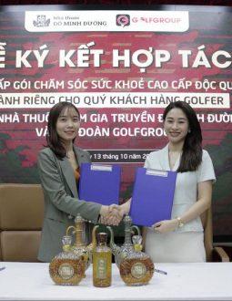 Đại diện 2 bên ký kết trong buổi hợp tác ngày 13/10
